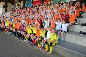 Fast schon alte Zeiten: Auch im Jahr 2012 hatten viele junger Kicker Spaß im Fußball- und Freizeitcamp des SVB.