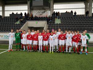 Die Mannschaften des FSV Gütersloh und des SV 20 Brilon.