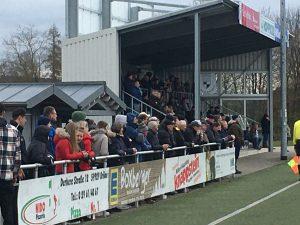 300 Zuschauer freuten sich über einen verdienten SVB Sieg.